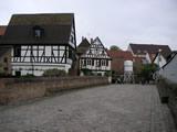 Altstadt Speyer: Sonnenbrücke mit Fachwerkhäusern